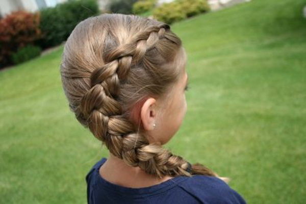 Latest Simple Hairstyles for Girls for School (33)