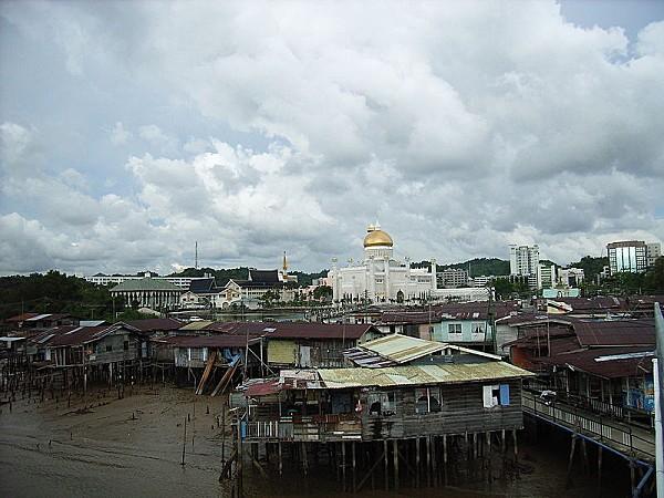 800px-Bandar_Seri_Begawan_Brunei.jpg