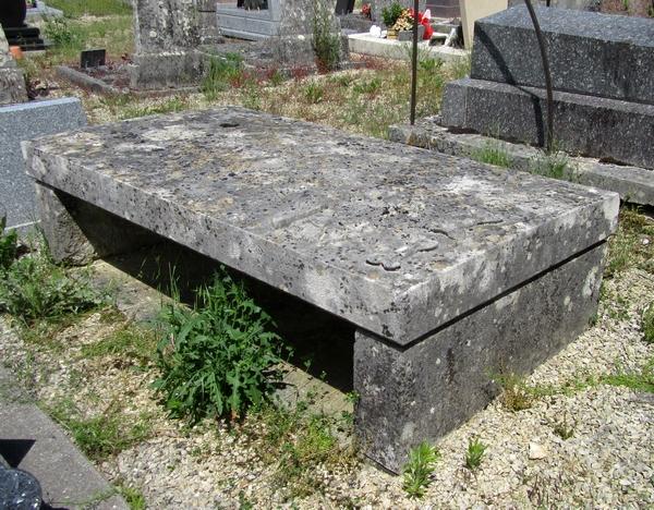 Didier Alviset, capitaine des armées de Napoléon Ier, né à Ampilly le Sec, mais inhumé à Belan sur Ource, reçut deux décorations prestigieuses !