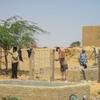 Mali Taboye Réparation du grillage du jardin