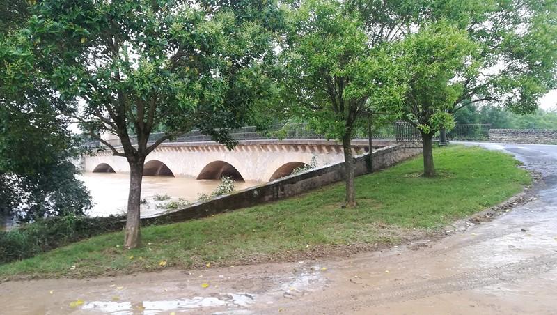 Rivière en crue à St Sever de Rustan