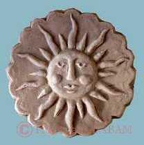 Bas-relief soleil estampé dans un moule en bois artisanal - Arts et sculpture: sculpteur designer