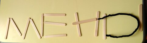 Fabriquer les lettres de son prénom avec des objets de la maison
