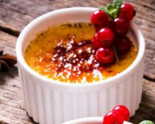 Crèmes brûlées aux fruits rouges