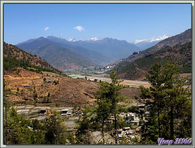 Blog de images-du-pays-des-ours : Images du Pays des Ours (et d'ailleurs ...), Arrivée sur Paro pour les deux derniers jours bhoutanais: panorama sur la vallée (2250 m) - Bhoutan