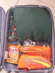 My suitcase to the moon (506)