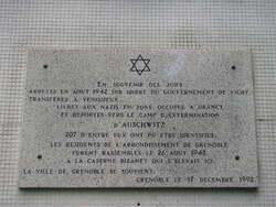 Grenoble et les plaques commémoratives