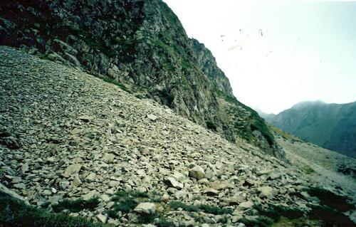 ARBIZON (Hautes Pyrénées) Grenats, Epidote, Axinite