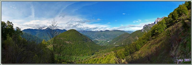Panorama sur la haute vallée de la Garonne vue de la montée au Pic du Gar - Boutx - 31