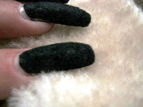 Swatch : Claire's - Plush nails - noir