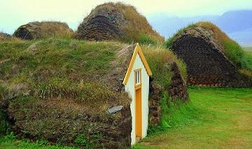 Les maisons en herbe en Islande ...