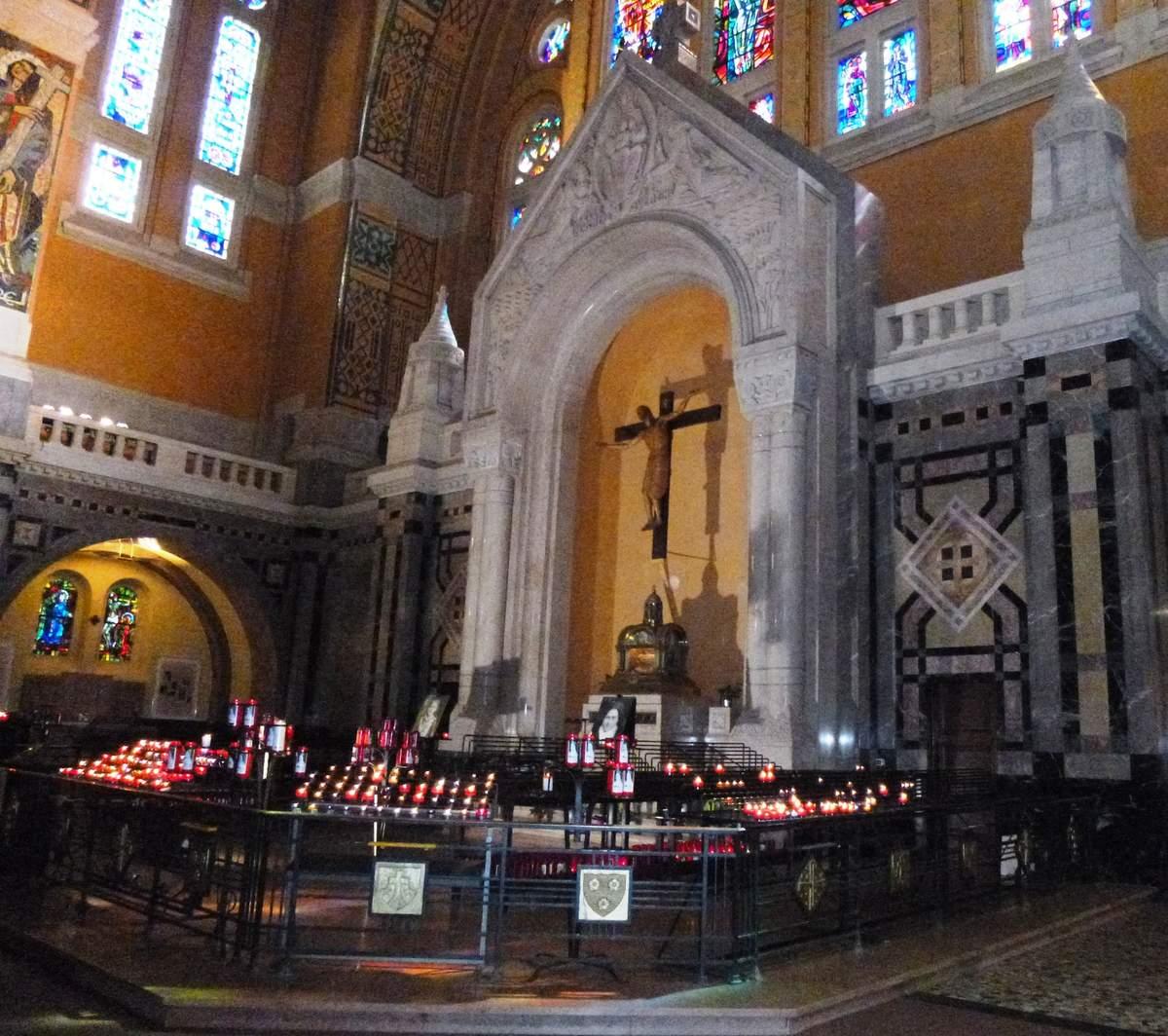 Détail de la Basilique reliquaire  images perso