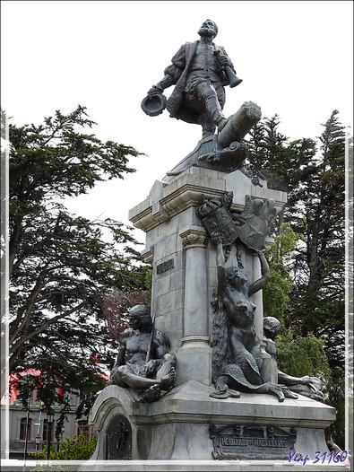 La statue de Hernando de Magallanes - Plaza de Armas (plaza Muñoz Gamero) - Punta Arenas - Patagonie - Chili