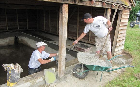 Restauration bénévole du lavoir communal