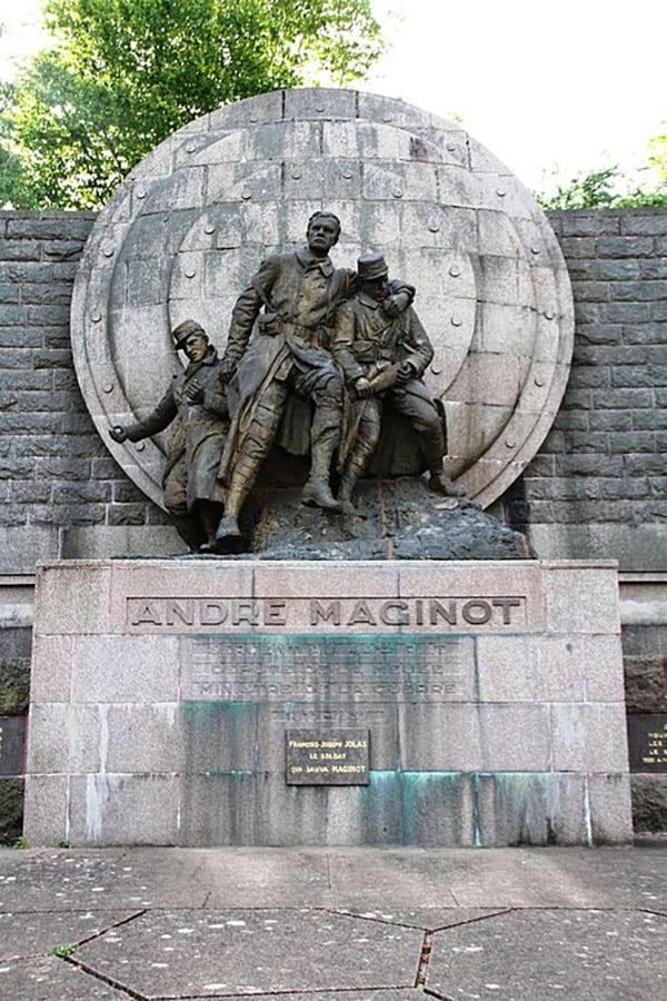 Le monument à André Maginot
