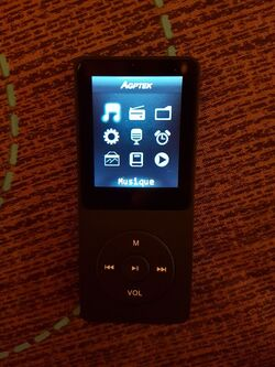 Super MP3 et housse AGPtek