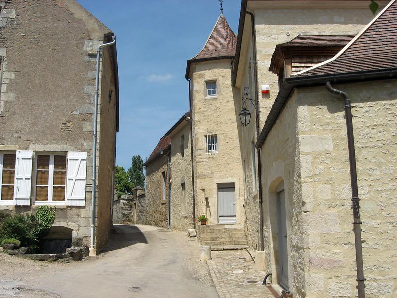 MONTREAL (Yonne) :