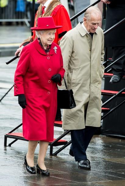 Elizabeth et Philip sur un bateau