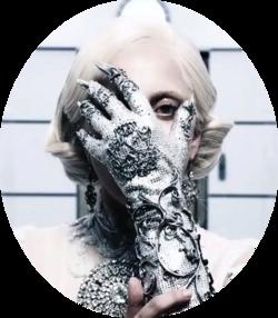 ➤ ZOOM sur LADY GAGA: Trauma, amnésie, personnalité multiple - tout un programme artistique