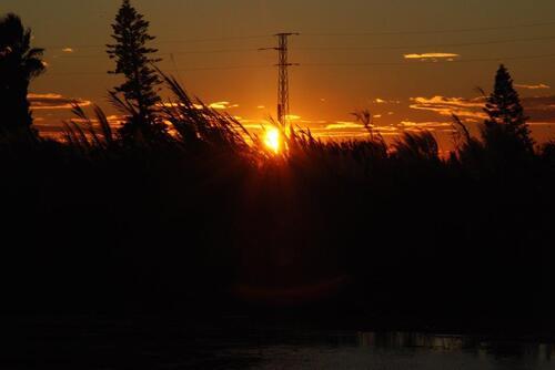 Un beau coucher de soleil, dommage il y a un poteau....