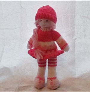 La poupée Victoire au tricot (grand modèle)