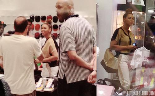 Beyonce et Jay-Z faisant du shopping à Miami (11/12/12)