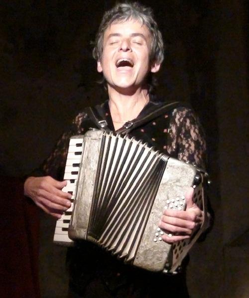 """° le vendredi 14 octobre '16 à 20h30 : Nathalie Borgomano : concert conté : """"FEMMES"""""""