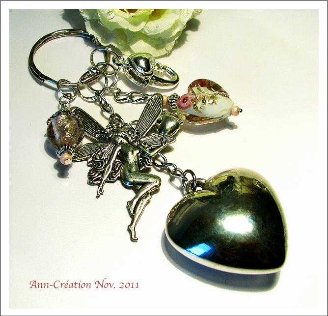 Porte-clés / Bijoux de Sac Coeur - Perles roses / Elf Métal argenté