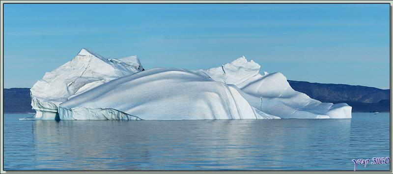 L'Austral a levé l'ancre, très rapidement nous laissons les derniers icebergs derrière nous - Ilulissat - Groenland