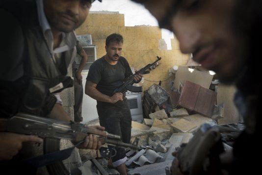 Des rebelles syriens, le 27 mai, à Alep. Armés par la France ? AFP/Ricardo Garcia Vilanova