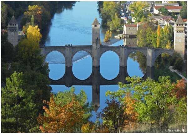 Le pont  Valentré en automne