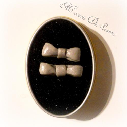 Boucles d'oreille Noeud gris pailette