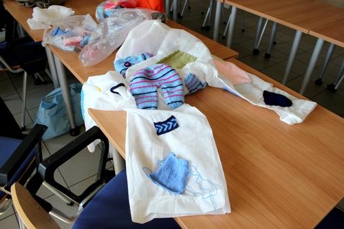 Les Amis du CSCL préparent leurs costumes pour le défilé du Tape-Chaudron