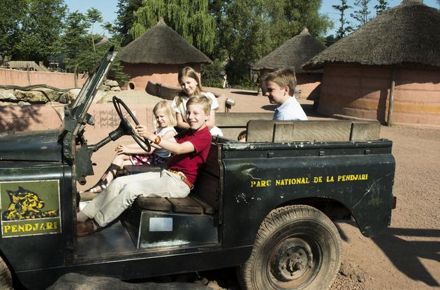 La famille royale en visite à Pairi Daiza