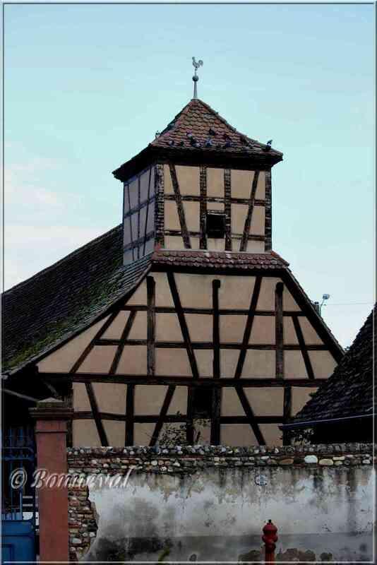 Pigeonnier à pans de bois Logelheim Haut-Rhin