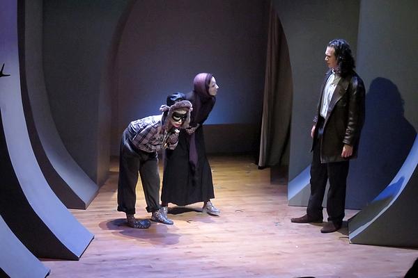 """""""Fais le tour..."""", une adaptation géniale de Peer Gynt  par la Compagnie de Gens, a enchanté l'été Châtillonnais 2018..."""