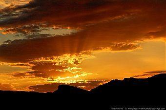 lever-de-soleil-sur-les-calanques-02.jpg