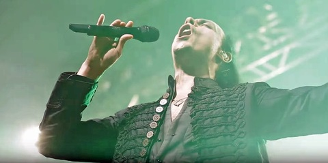 "LABYRINTH - ""Falling Rain"" (vidéo live)"
