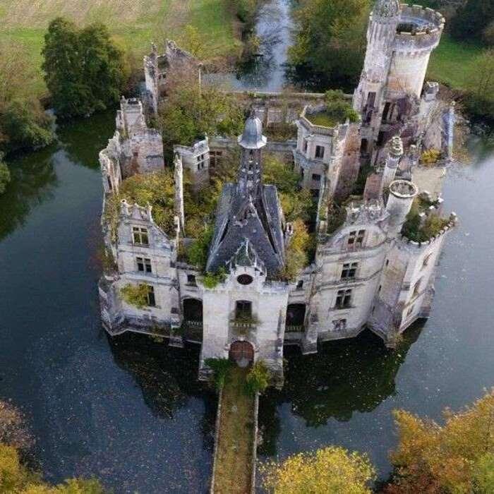 Sauvetage d'un château du Poitou: l'achat participatif bat des records