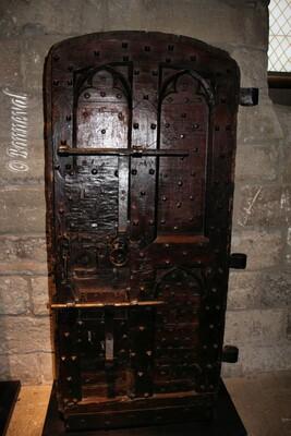 Palais des Papes porte 14ème ou 15ème siècle Tour du Jaquemart beffroi Avignon Vaucluse