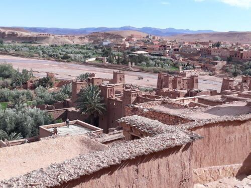 Vue sur le ksar et le village