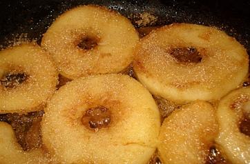 Pommes caramélisées aux amandes
