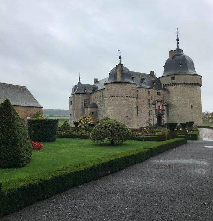 Château de Lavaux-Sainte-Anne.