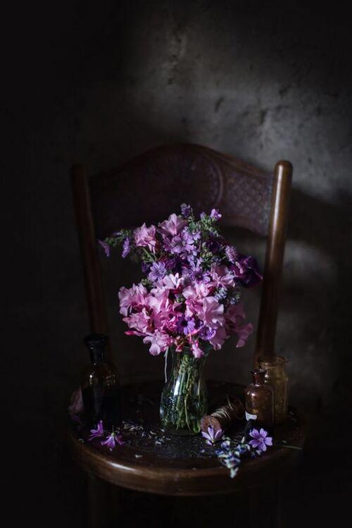 Chaises décorées (suite)