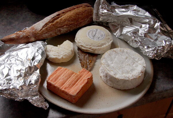 Pourquoi le fromage à forte odeur nous dégoûte ???