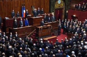 Sarkozy lâché par le peloton de tête