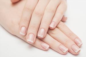 Les tâches blanches des ongles ne sont pas liées à un manque de calcium