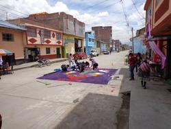 Décoration des routes en attendant la procession