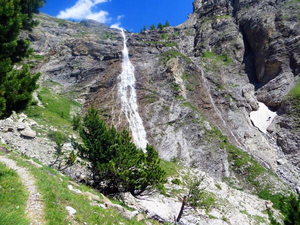 Lac et cascade du Cimet