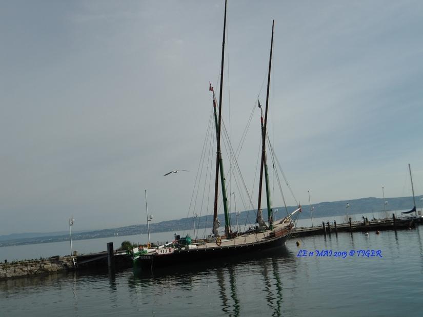 PHOTOS  (LA SAVOIE... Barque de la rive Française du Léman) de TIGER